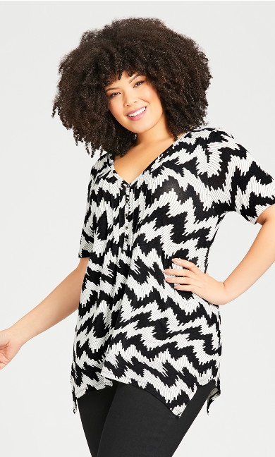 Plus Size Knit Sharkbite Tunic - white