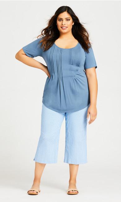 Plus Size Super Stretch Floral Capri - blue