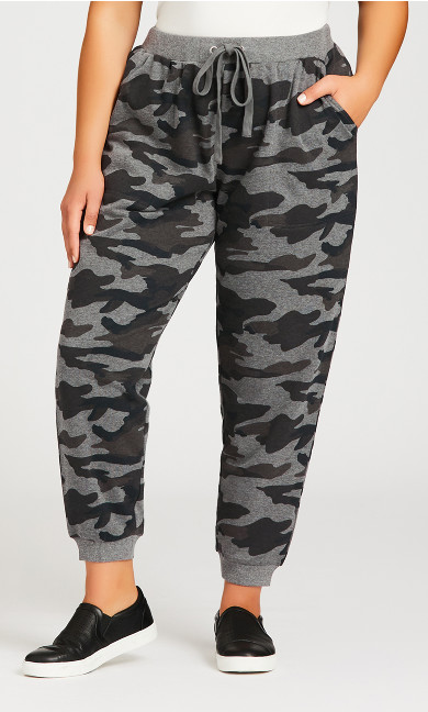 Camo Print Pocket Pant - average